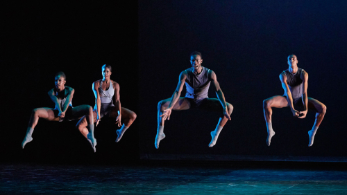 Debut enlluernador d'Ailey II